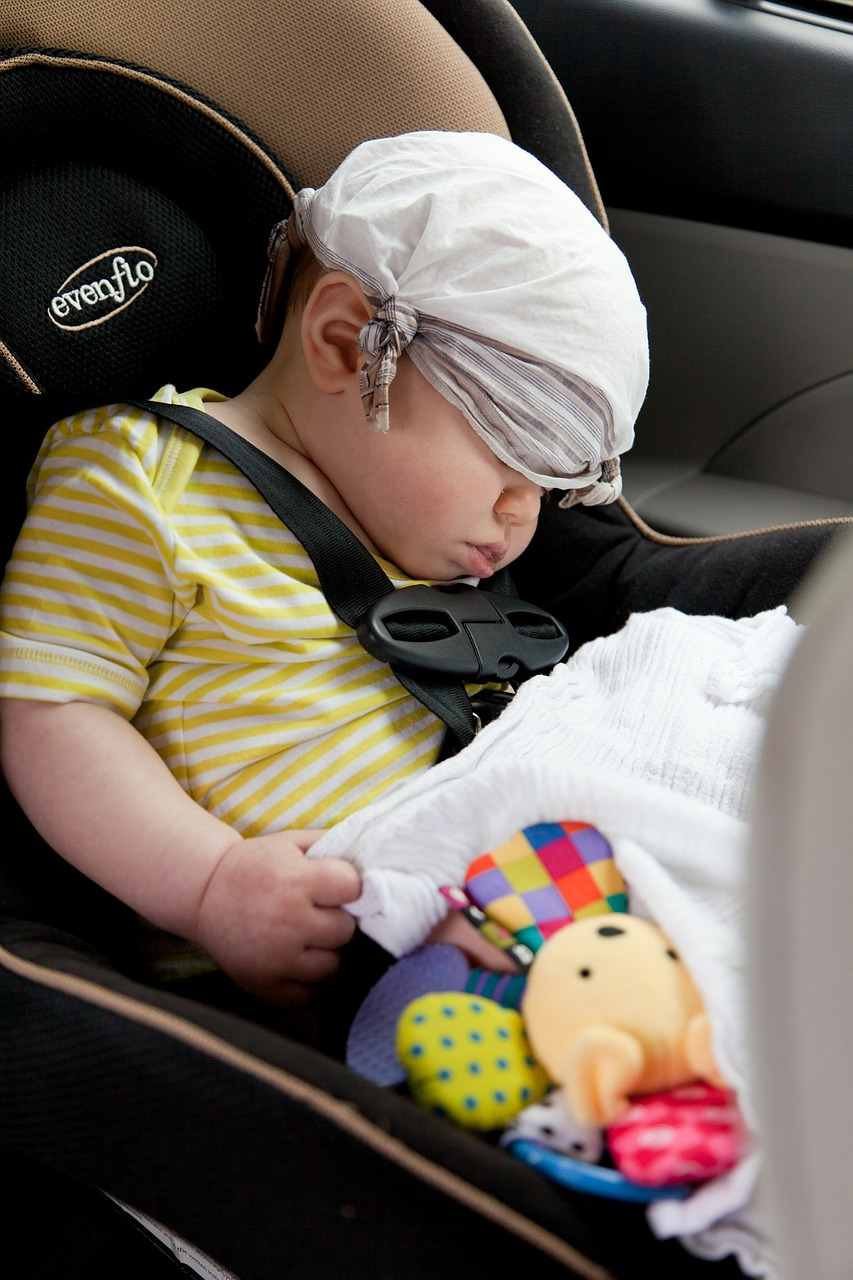 How to travel comfortably in a car with kids
