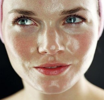 Three Steps to Help You Deal with Oily Skin - 1