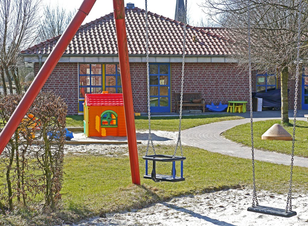 how natural playgrounds can help to benefit children