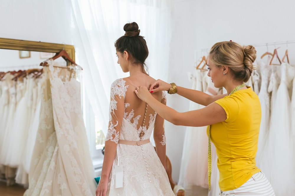 Tips for Choosing the Best Wedding Dressmaker During Wedding Preparations - 1