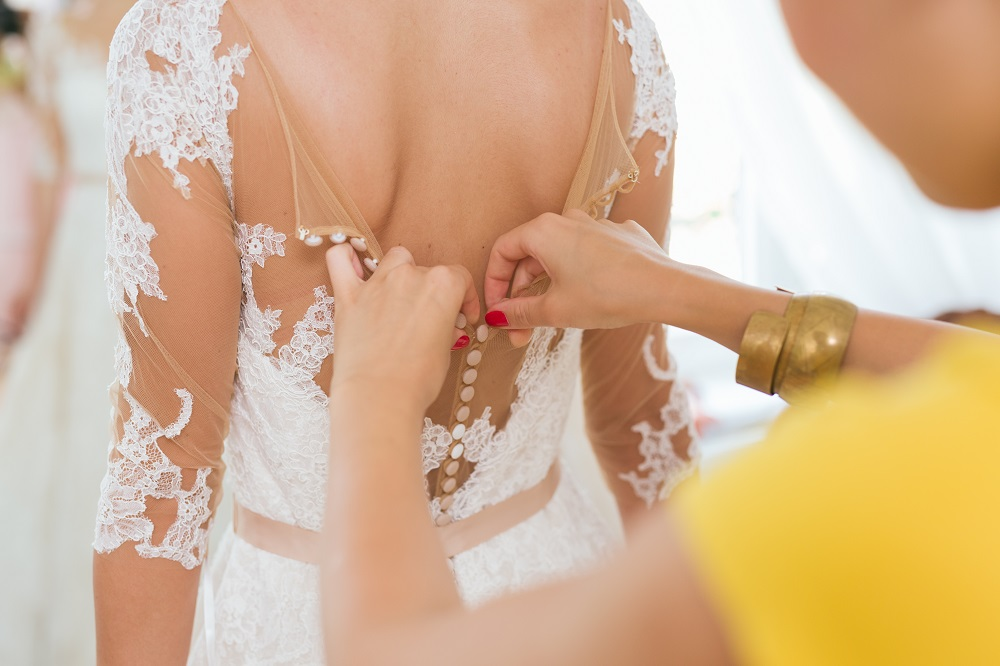 Tips for Choosing the Best Wedding Dressmaker During Wedding Preparations - 2