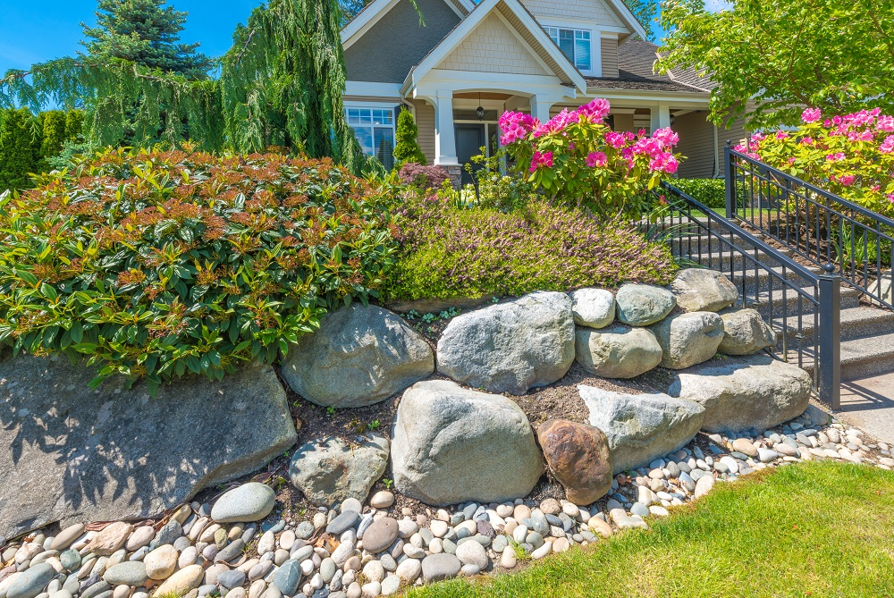 How to Decorate Your Landscape with The Help of River Rocks