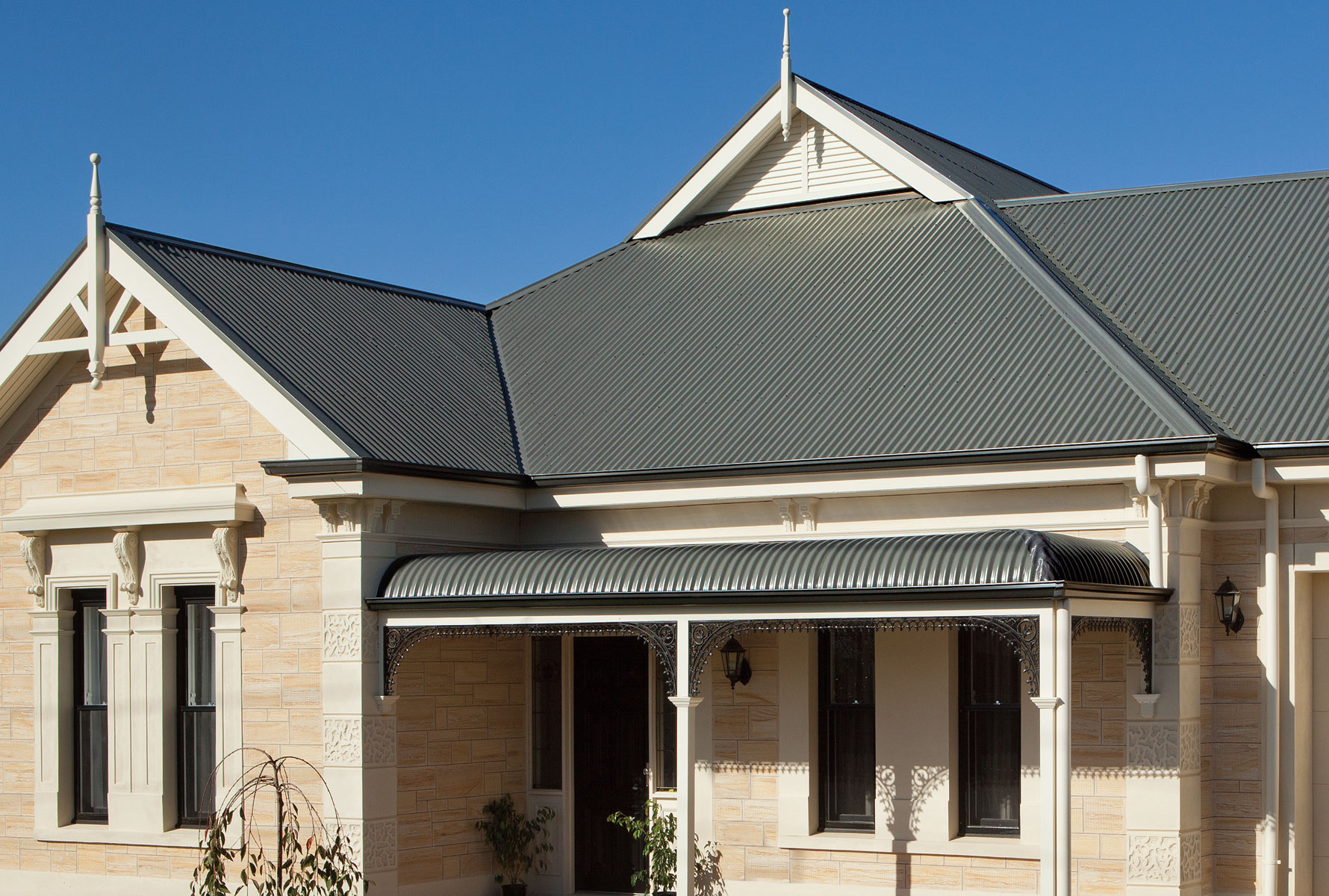 Top Tips to Maintain the Corrugated Roof - 1