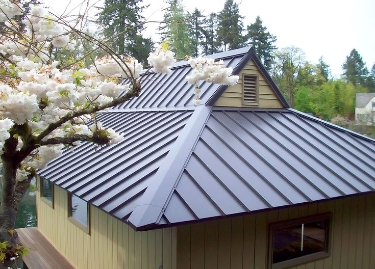 Top Tips to Maintain the Corrugated Roof