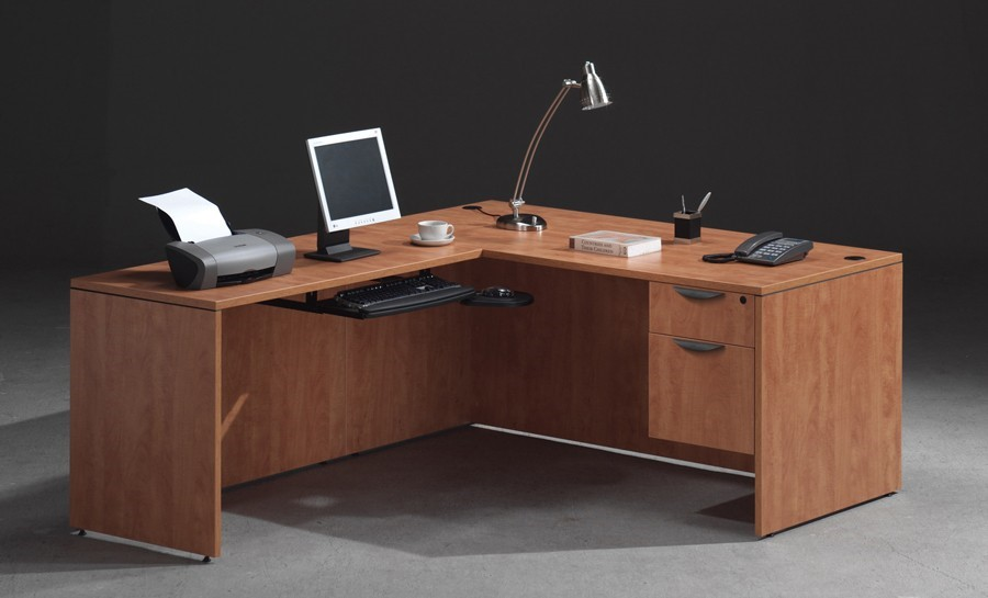 The Benefits Of An L-Shaped Office Desk