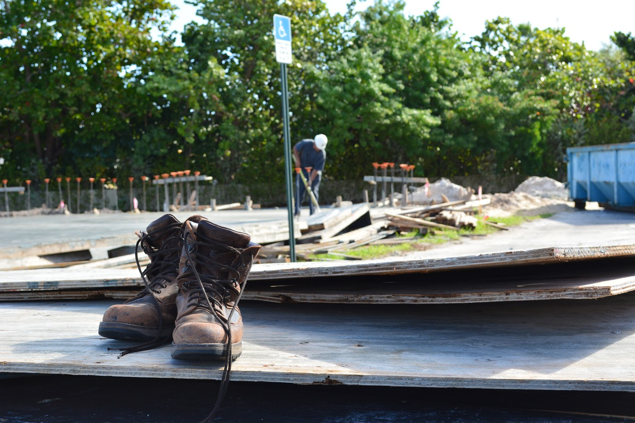 How to choose the right safety shoe