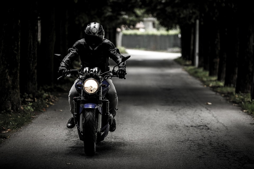 4 Tips for Staying Warm and Healthy While Riding a Motorbike in the Winter